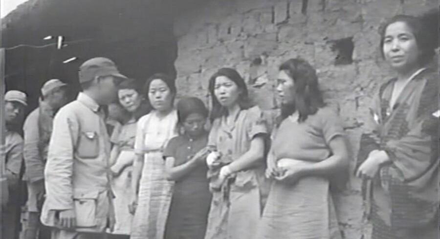 Sydkorea har offentliggjort et filmklip fra Anden Verdenskrig af sydkoreanske sexslaver for den japanske hær.