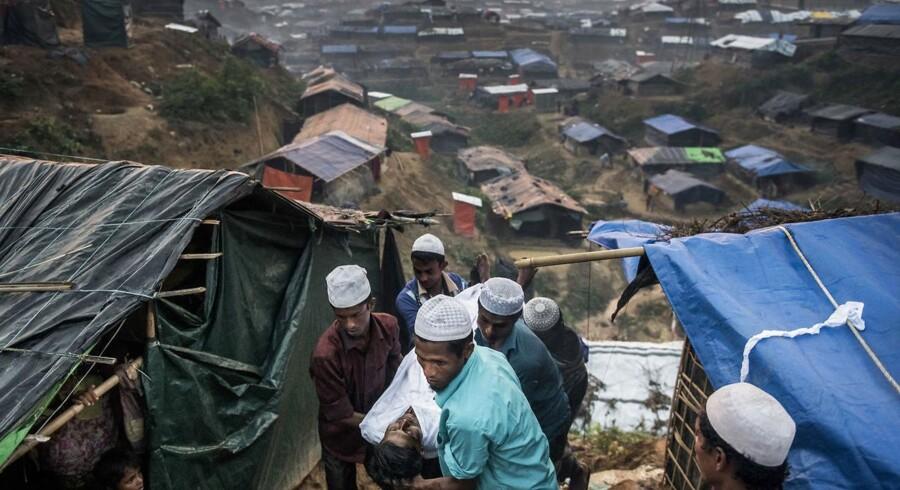 Bangladesh husterover 800.000 rohingya-flygtninge fra nabolandet Myanmar. Pladsen er trang, og derfor arbejdes der nu med at flytte 100.000 af flygtninge ud på en ø