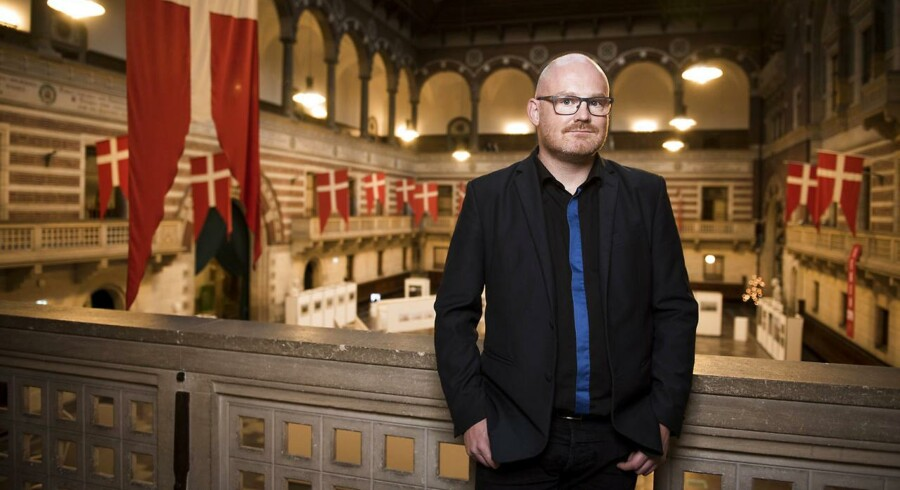 Enhedslistens Morten Kabell vil fra 1. januar stå til at modtage eftervederlag fra Københavns Kommune. Det høster kritik.