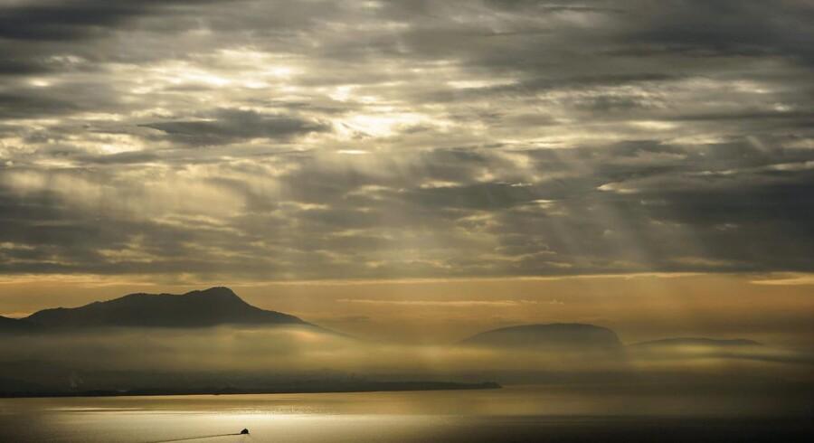 Sol og skyer over Genevesøen.