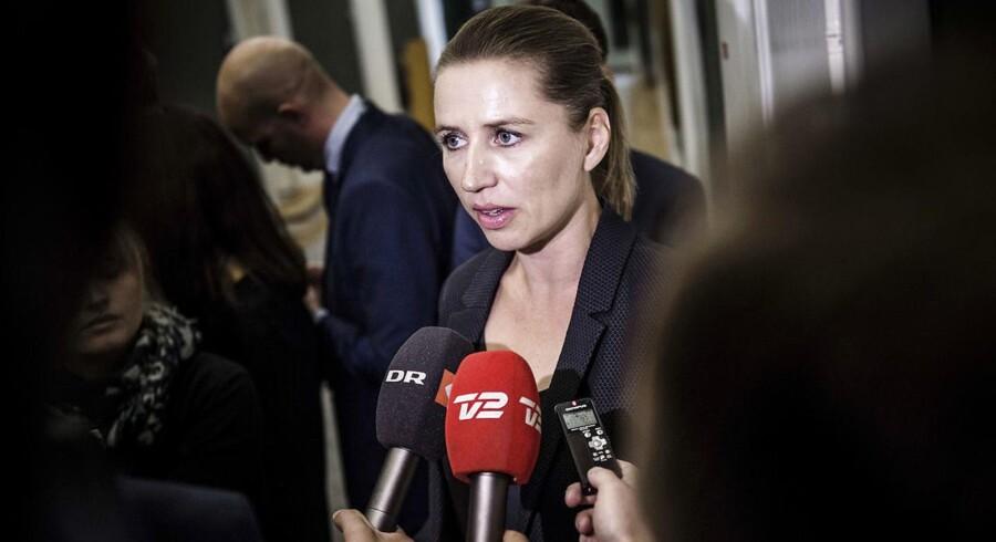 Hvis statsministeren ikke skal hedde Lars Løkke Rasmussen, skal hun så hedde Mette Frederiksen? Partilederne på den røde fløj mødes tirsdag for at finde en plan.