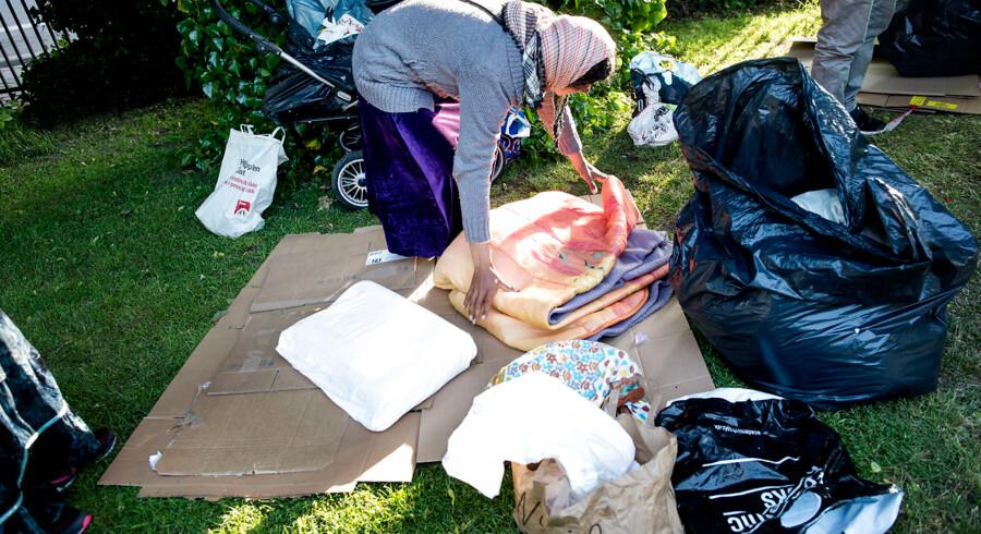Rumænere i H.C Ørstedsparken pakker lejr sammen.