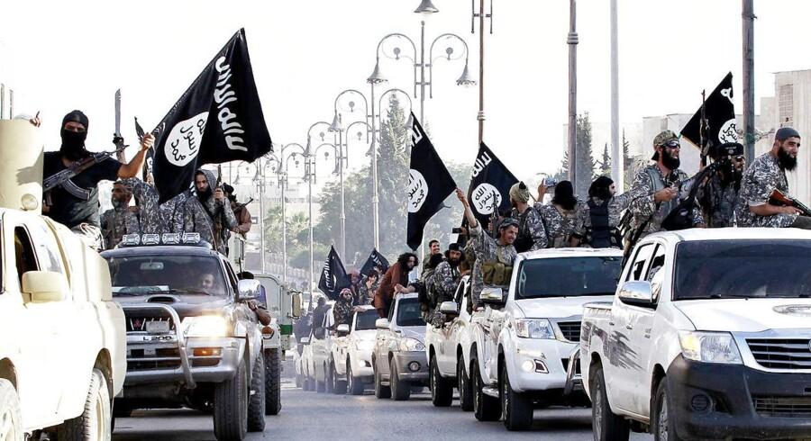 Arkivfoto af unavngivne medlemmer af terrororganisationen Islamisk Stat i den syriske by Raqqa.
