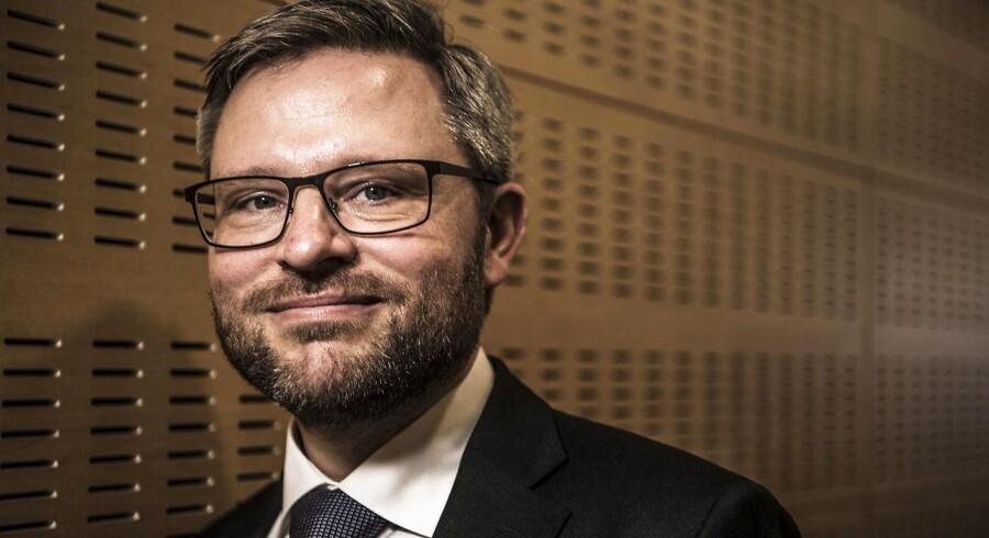 »2017 har ikke været et særlig godt industriår indtil videre. Industrien havde en meget stærk afslutning på 2016, men har i bedste fald trådt vande siden nytår. Det har ellers været en periode med fornuftig fremgang i efterspørgslen på eksportmarkederne - ikke mindst i Europa,« skriver Las Olsen, cheføkonom i Danske Bank, i en kommentar.