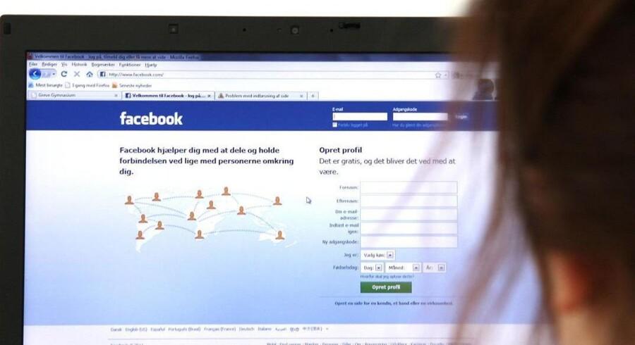 Retten i Glostrup har dømt en 67-årig kvinde for racistiske udtalelser på Facebook. Blandt andet har hun skrevet, at alle muslimer bør udryddes fra Jordens overflade. Free/Colourbox