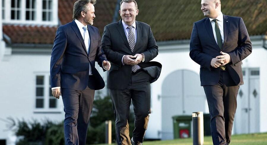 Nyt regeringsgrundlag præsenteres på Marienborg. Lars Løkke Rasmussen, Søren Pape Poulsen og Anders Samuelsen på vej til pressemøde i søndags. (Foto: Keld Navntoft/Scanpix 2016)