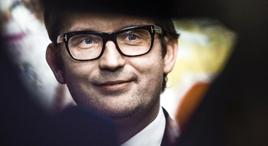 Beskæftigelsesminister Troels Lund Poulsen giver sagen om Arbejdsmarkedets Feriefond fuld prioritet og venter5, at der kan findes en løsning efter påske.