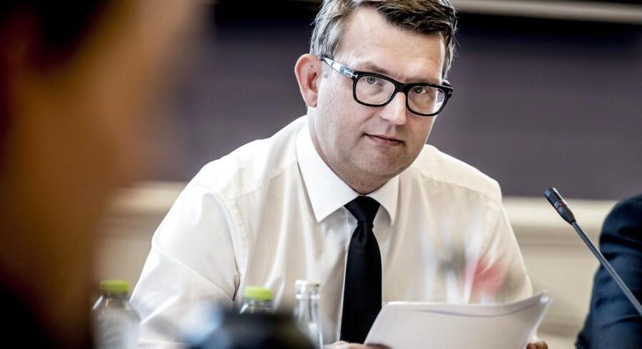 »Jeg kæmpede for, at det blev så ambitiøst som muligt til gavn for danske virksomheder. Uden at gå på kompromis med beskyttelsen af de udstationerede medarbejdere - også i transportsektoren,« siger beskæftigelsesminister Troels Lund Poulsen i en pressemeddelelse.