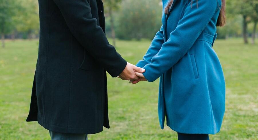 Når danske mænd gifter sig med udenlandske kvinder, er langt de fleste fra fra enten Filippinerne¨eller Thailand. For kvinder er der, i samme spørgsmål, langt oftere tale om engelske mænd.