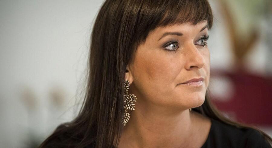 Moderniseringsstyrelsen, der sorterer under innovationsminister Sophie Løhde (V), oplyser torsdag, at man sætter alle aftaler med Atea i bero efter bestikkelsesdommen.