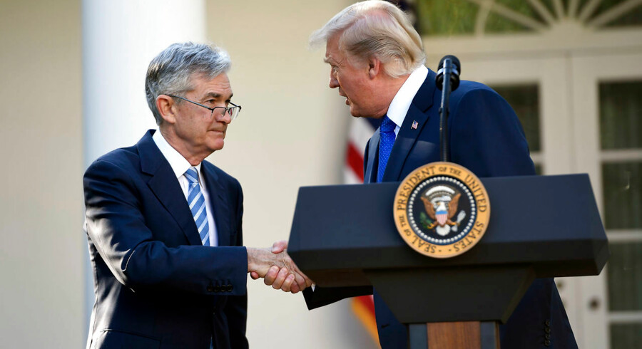 US President Donald Trump shakes hands as he announces his nominee for Chairman of the Federal Reserve, Jerome Powell, in the Rose Garden of the White House in Washington, DC, November 2, 2017. / AFP PHOTO / SAUL LOEB