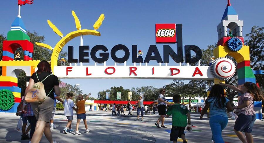 Aktierne i Merlin Entertainments, Legolands ejere, falder markant efter britiske angreb og møgvejr i Europa.