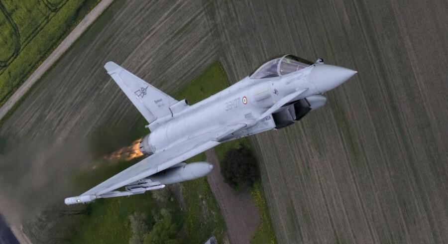 F-35, der er storfavorit til at blive det nye danske kampfly, er stadig under udvikling, og enkelte områder volder flykonstruktørerne kvaler. Et af dem er katapultsædet, som piloterne skal bruge til at skyde sig ud af flyet i nødsituationer – det kan påføre skader i nakken, fremføres det. (Foto: Scanpix)