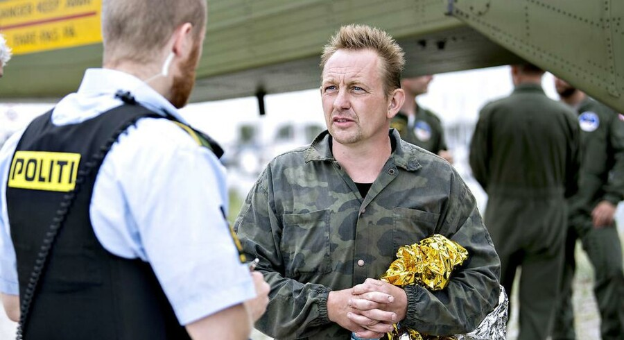 Peter Madsen fotograferet umiddelbart efter, at hans ubåd sank, og han selv var blevet reddet i land fredag 11. august.
