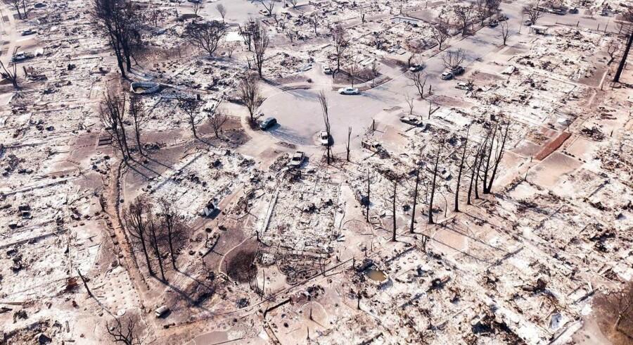 Beboelseskvarteret Coffey Park i byen Santa Rosa i det nordlige Californien ligner nærmest en krigshærget zone efter brandens ekstreme hærgen.