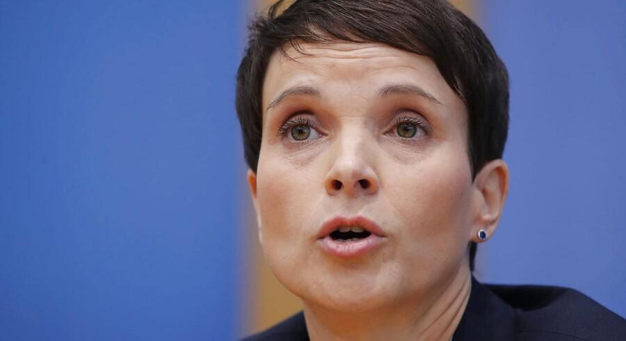 AfD-lederen Frauke Petry mener, at partiet hører til i opposition, siger hun efter søndagens valg i Tyskland.