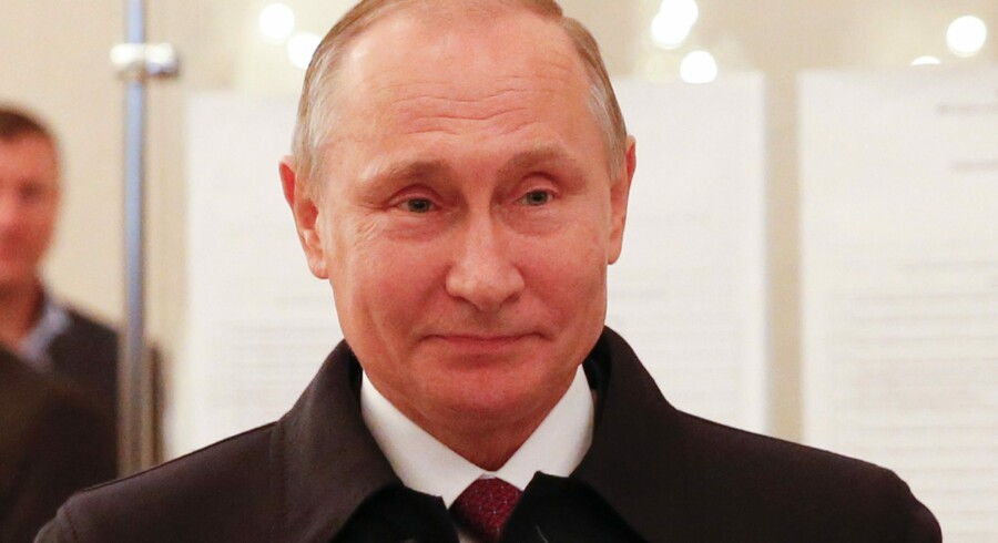 Det var ikke alt ved Ruslands valg, som var en opbakning til præsident Putin. Valgdeltagelsen var kun på omkring 48 procent, hvilket var en markant tilbagegang i forhold il 2011, hvor 60 procent af vælgerne gik til stemmeurnerne. Scanpix/Grigory Dukor