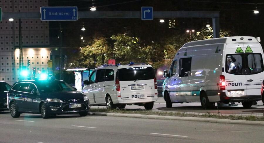 Fire personer blev ramt af skud i København 7. oktober på Lyngbyvej tæt på Hans Knudsens Plads. En omkom senere af kvæstelserne.