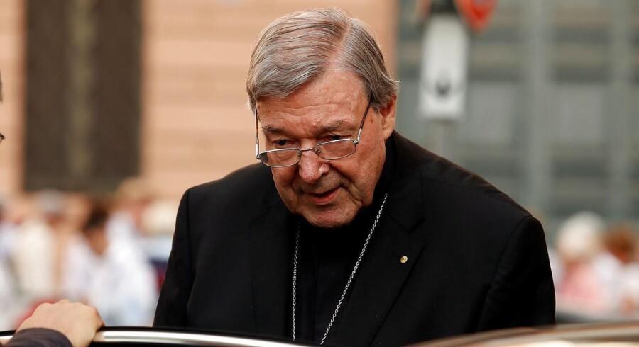 Arkivfoto. Den australske kardinal George Pell siger, at han er uskyldig i sexforbrydelser og vil forsvare sig i retten. REUTERS/Remo Casilli