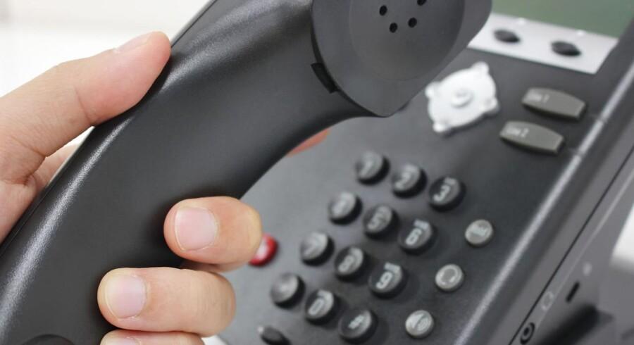 Siden februar 2016 har venner, bekendte, familie og andre kunnet ringe til en national hotline, hvis de var bekymrede for, at en person er i risiko for at blive radikaliseret.
