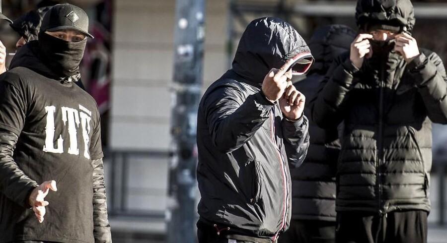 En sag om trusler mod en politibetjent, der blev afsendt af en bandeleder, skal nu for Højesteret.