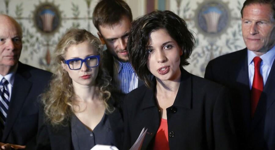 ARKIVFOTO. Nadja Tolokonnikova og Marija Aljokhina skal fredag eftermiddag holde et foredrag på Gloria-scenen, hvor de vil fortælle om Pussy Riot og deres aktivistiske handlinger.