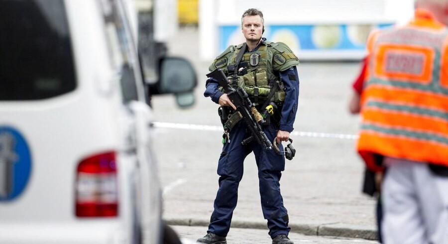 Det finske politi er massivt til stede efter knivstikkeri.