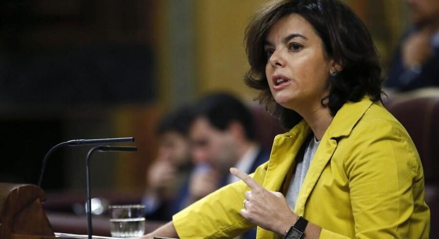 Den spanske vicepremierminister, Soraya Saenz de Santamaria, har bedt landets forfatningsdomstol om at erklære en valglov i den autonome spanske region Catalonien ulovlig.