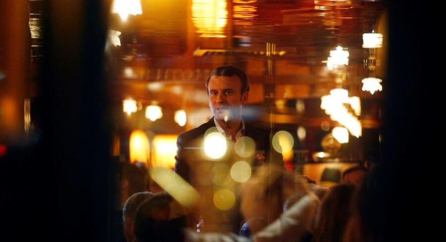 Emmanuel Macrons sejr i den første runde af det franske præsidentvalg har ført til store kursstigninger over hele Europa.