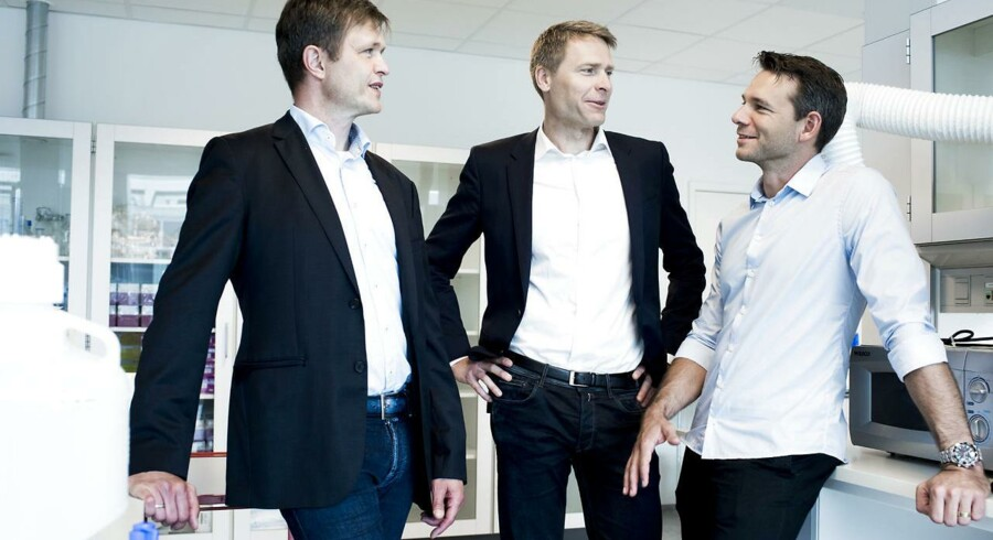 Der er rift om børsdebutanten Orphazymes aktier. Her ses biotekselskabets ledelse: Anders Vadsholt (th) Chief Financial Officer, Thomas Kirkegaard Jensen (th), PhD Chief Scientific Officer og Anders Hinsby, (i midten) PhD Chief Executive Officer
