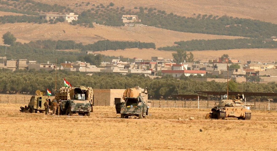 Kurdish peshmerga military vehicles are seen as they clear Fadiliya village in Nawaran, north of Mosul, as part of their offensive to drive Islamic State from Mosul, Iraq, October 26, 2016. Picture taken October 26, 2016. REUTERS/Ahmed Jadallah