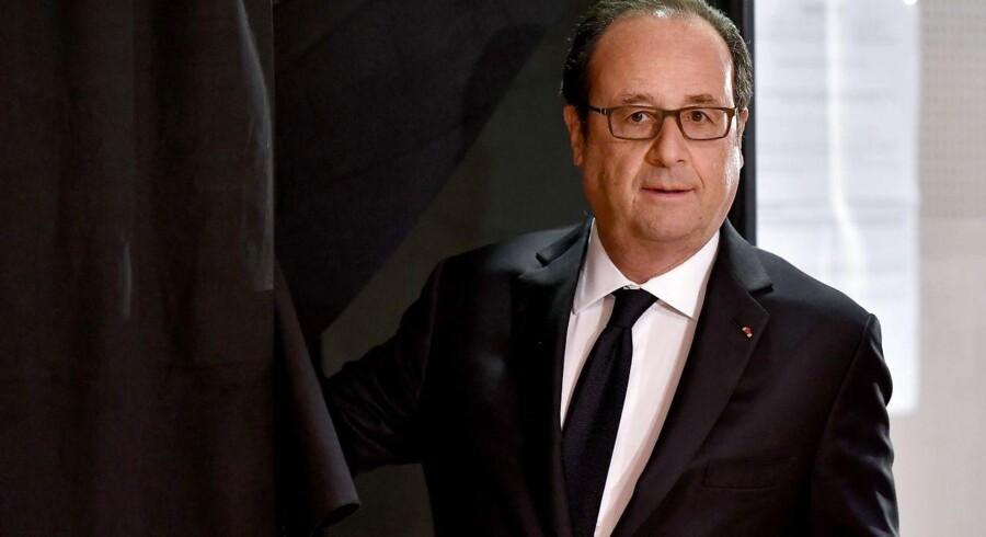 """Ifølge François Hollande udgør Le Pen en """"risiko"""" for Frankrig, hvis hun kommer til magten."""