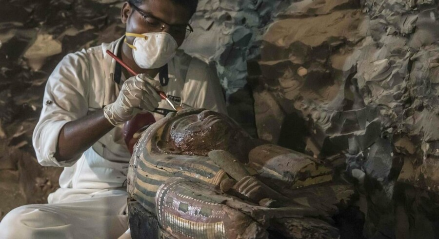 Gravkammeret og dens indhold stammer fra det 18. dynasti i det gamle Egypten. Det vil sige omkring år 1500 før vor tidsregning.