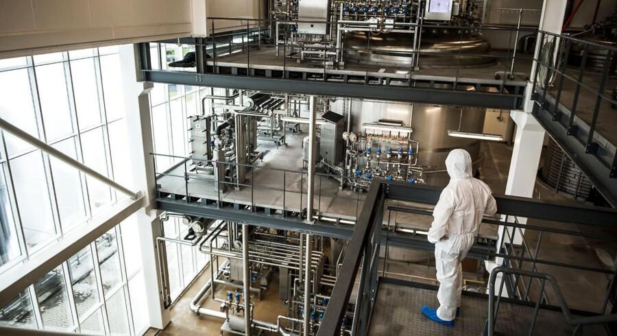 Selv om ingredienskoncernen Chr. Hansen er markedsleder på mejeriområdet, så er der grund til at være bange for, at konkurrenterne forsøger at tage markedsandele fra den største division, Food Cultures & Enzymes.