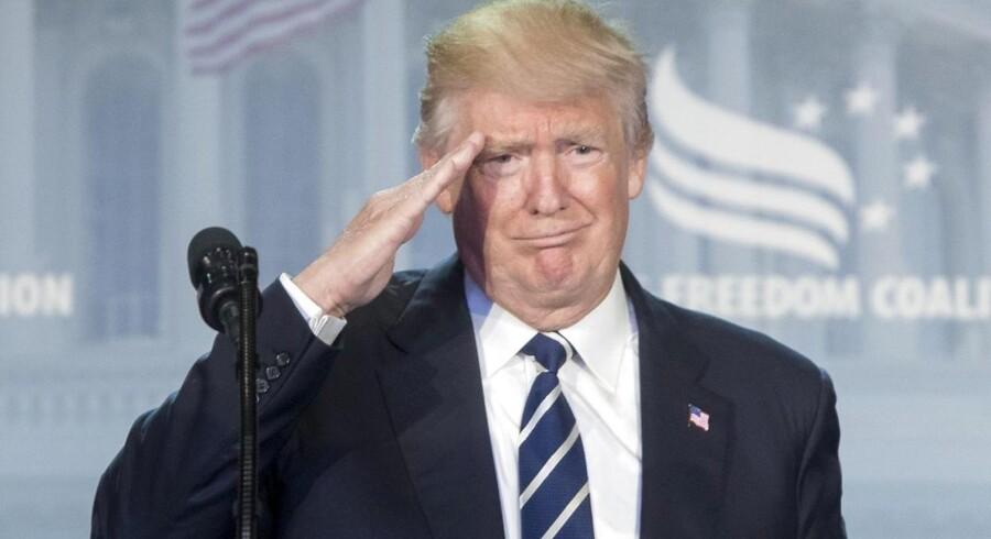 »Vi er under belejring. Men vi kommer ud på den anden side større, bedre og stærkere,« siger Donald Trump.