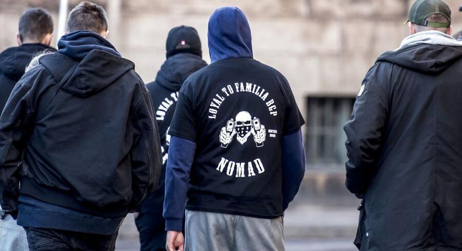 Arkivfoto: Politiet har anholdt en »fremtrædende« person i Loyal To Familia i Køge. Flere våben er fundet.