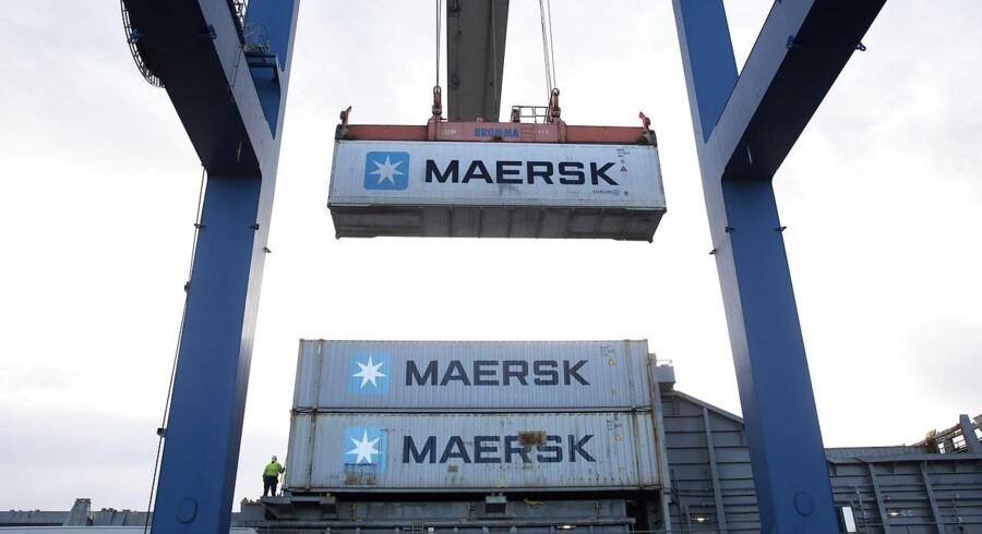Containere i Nordhavn i Københavns Havn. Containere, Maersk, kran.