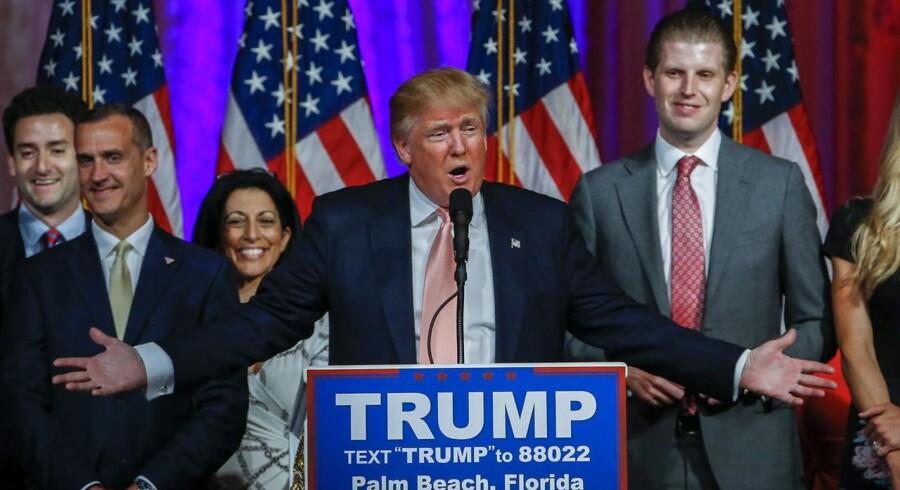 Donald Trump vandt tirsdag fire ud af fem stater og udbygger nu sin føring som republikanernes primærvalg.