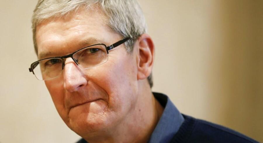 Apple-topchef Tim Cook afviser en amerikansk domstols ordre om at skaffe efterforskere adgang uden om krypteringen på en beslaglagt iPhone-telefon. Arkivfoto: Carlo Allegri, Reuters/Scanpix