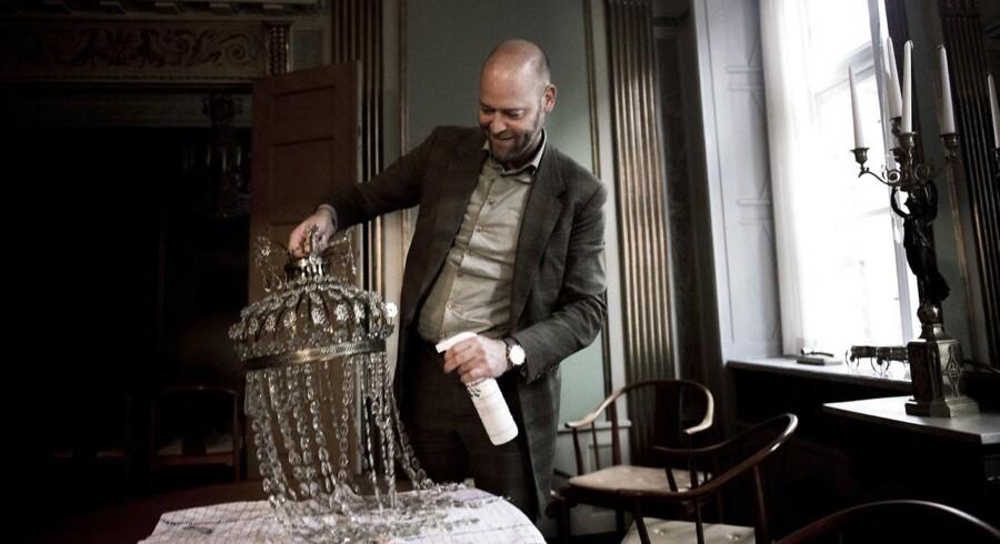 Anders Fogh Jensen er en dansk filosof, forfatter og foredragsholder.