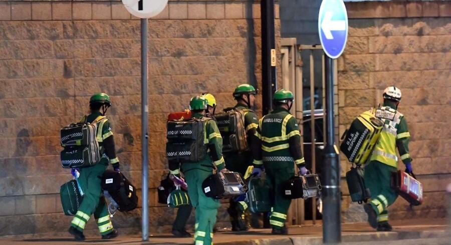 Politiet i Manchester oplyser, at 22 er dræbt, og 50 er såret efter en hændelse ved Manchester Arena. / AFP PHOTO / Paul ELLIS