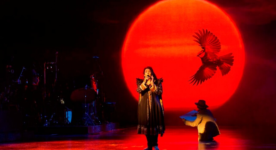 Kate Bush på scenen i Hammersmith Apollo i 2014.