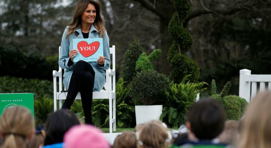 Melania Trump læser højt for børn under et påskearrangement i Det Hvide hus i begyndelsen af april. Nu er den amerikanske førstedame klar til at lancere sit eget velgørenhedsinitiativ, der skal forbedre forholdene for børn og unge i USA.