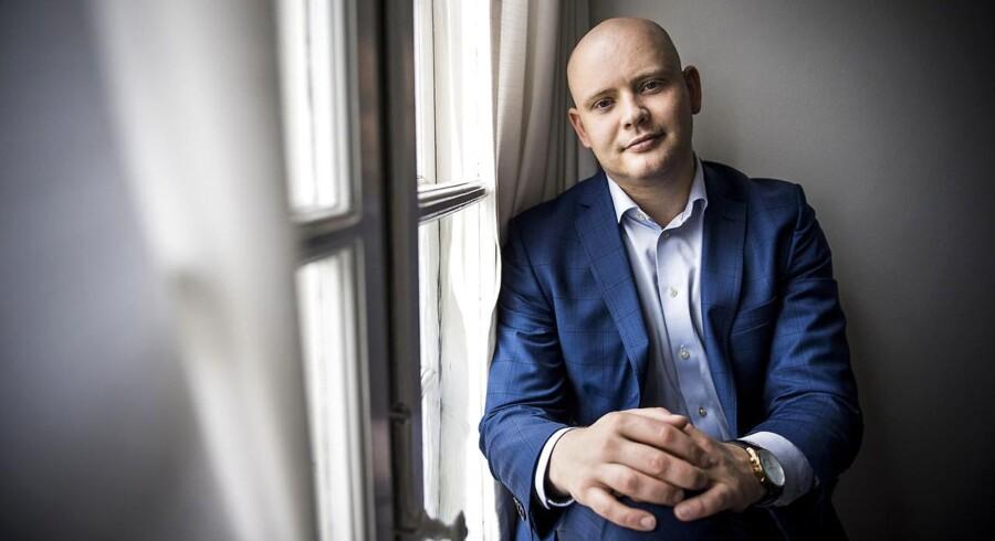 Venstres folketingsmedlem Jakob Engel-Schmidt mener - modsat partiets linje - at blasfemiparagraffen er et levn, der ikke hører hjemme i et moderne, oplyst retssamfund.