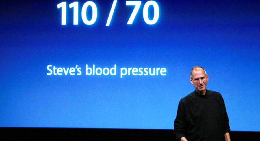 En mager Steve Jobs joker med rygterne om, at han skulle være døende.