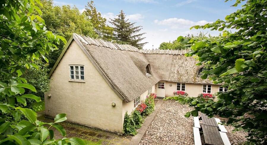 Rikke Hørlykke og Klavs Bruun Jørgensens sommerhus er til salg.