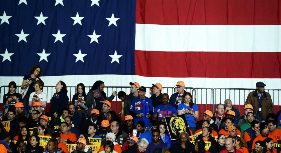 Det er »hamrende dyrt« at stille op som kandidat til præsidentembedet i USA, siger forfatter og redaktør på Kongressen.com, Anders Agner Pedersen, blandt andet om finansieringen af den amerikanske valgkamp.