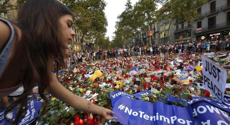 Spanien blev rystet af angreb i Barcelona og i kystbyen Cambrils 17. og 18, august. I alt 16 mennesker blev dræbt og over 120 såret.