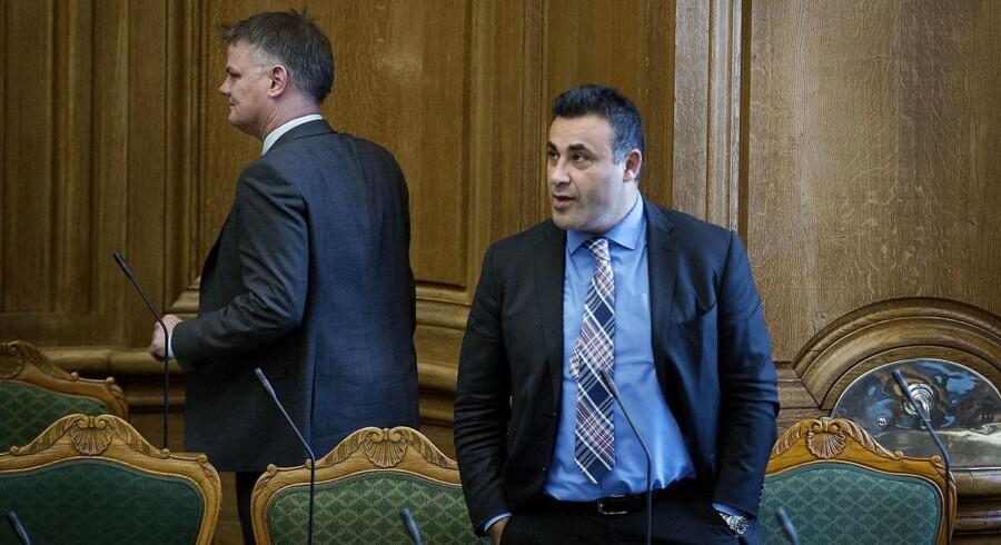 Naser Khader vil gerne skabe debat om public service. Derfor holder han heller ikke igen med at kommentere på X Factor