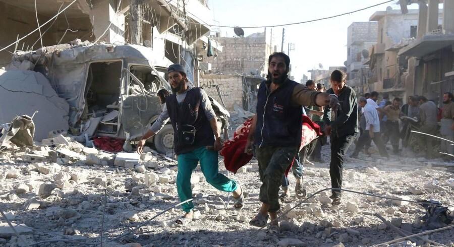 Rusland bomber systematisk civile mål, heriblandt hospitaler, i Aleppo, og hjælper en af verdens værste krigsforbrydere, Syriens præsident Assad, med at begå flere.